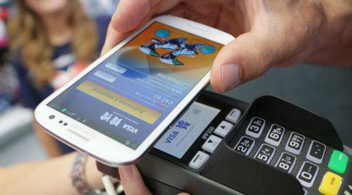 Samsung Pay Çin' de hizmete girdi.