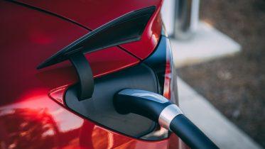 Spar penge på opladning af elbil i hjemmet