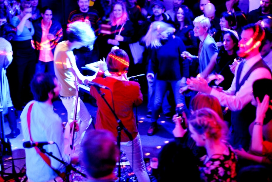Saturday night around 500 people transformed Bryggerhuset 3RW`s party to a happy disco-tale. Thanks!!!