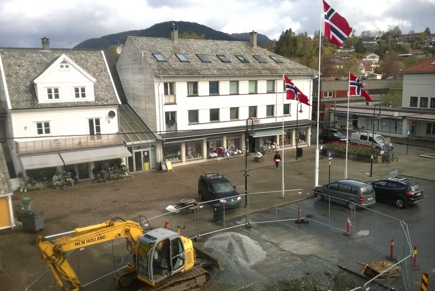 The transformation of the public square in Osøyro breaks ground.