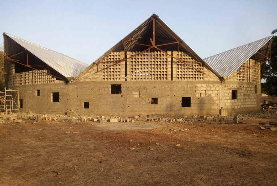 The School in the village of Sabou in Burkina Faso is taking shape