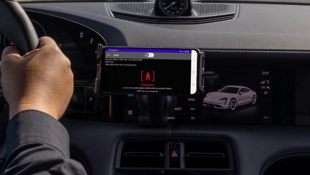 Porsche tester 5G cloud-advarselssystem til biler i realtid