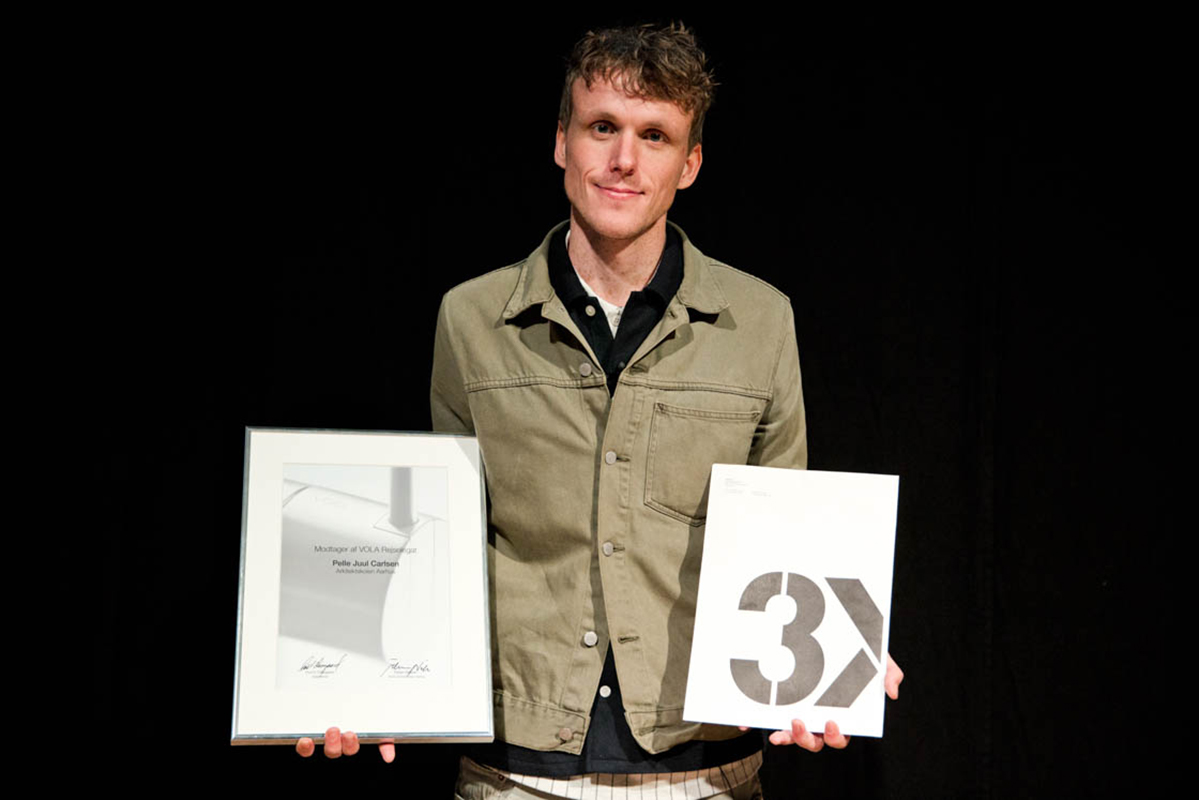 Pelle Juul Carlsen modtog VOLA-legatet og 3XN/3xG-prisen for afgangsprojekt 'Alternativ til Fredericias Kanalby'.