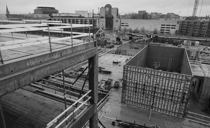 Kig fra 2. sals højde i det nye byggeri