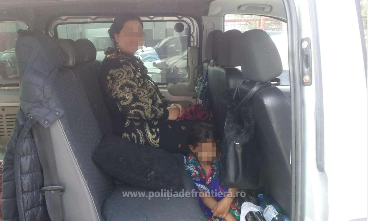 Minoră ascunsă sub fusta mamei, depistată la frontieră accidentelive