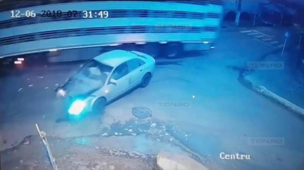 Accident surprins de camerele de supraveghere, timisoara