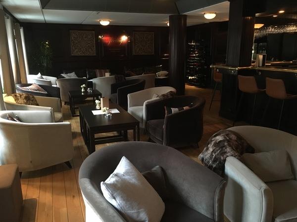 Feeling Restaurant & Wine bar