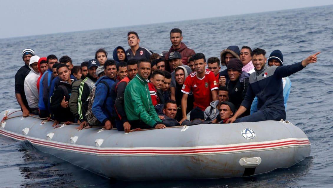 فيسبوك متهمة بمساعدة تجار البشر على إغراء اللاجئين