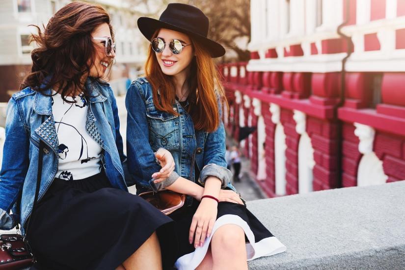 Modne kurtki jeansowe