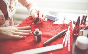 как правильно красить ногти так, чтобы лак держался дольше обычного