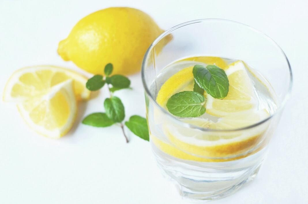 Худеть с помощью воды лимоном