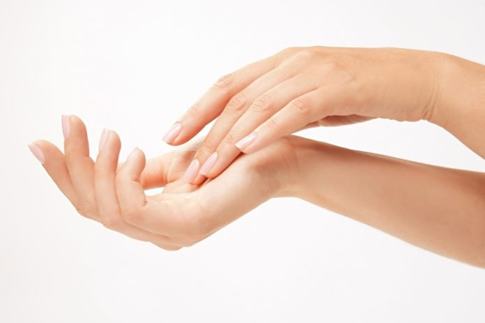 сохраняем молодость и красоту рук