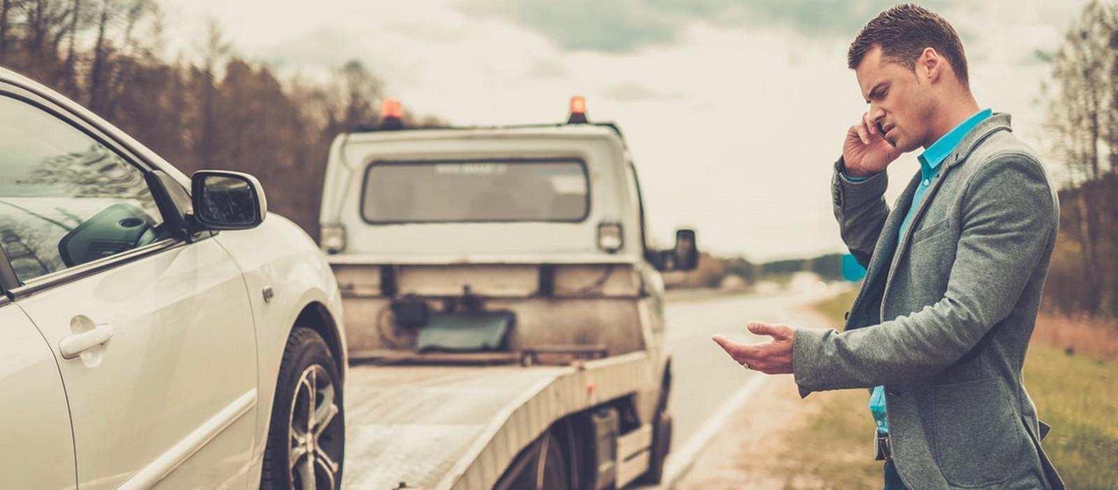 Platformele noastre de tractări sunt gata oricând să intervină și să vă ajute să transportați orice vehicul în dificultate