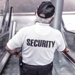Beveiligers Schiphol klagen over veiligheid