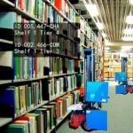 Bibliothecaris stopt met boeken zoeken