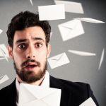 R** op met die e-mails buiten werktijd