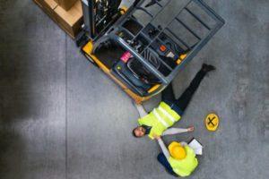 Baan heftruckchauffeur of veilig werk, wat wint?