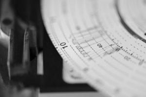 Tachograaf manipuleren? Ook boete als voorziening uitstaat