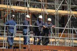 Diverse bouwplaatsen stilgelegd vanwege risico's op vallen, aanrijden en gevaarlijke stoffen