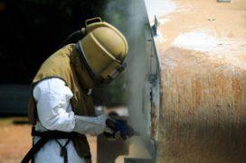 Hoe verwijder je veilig verf met chroom-6 erin?