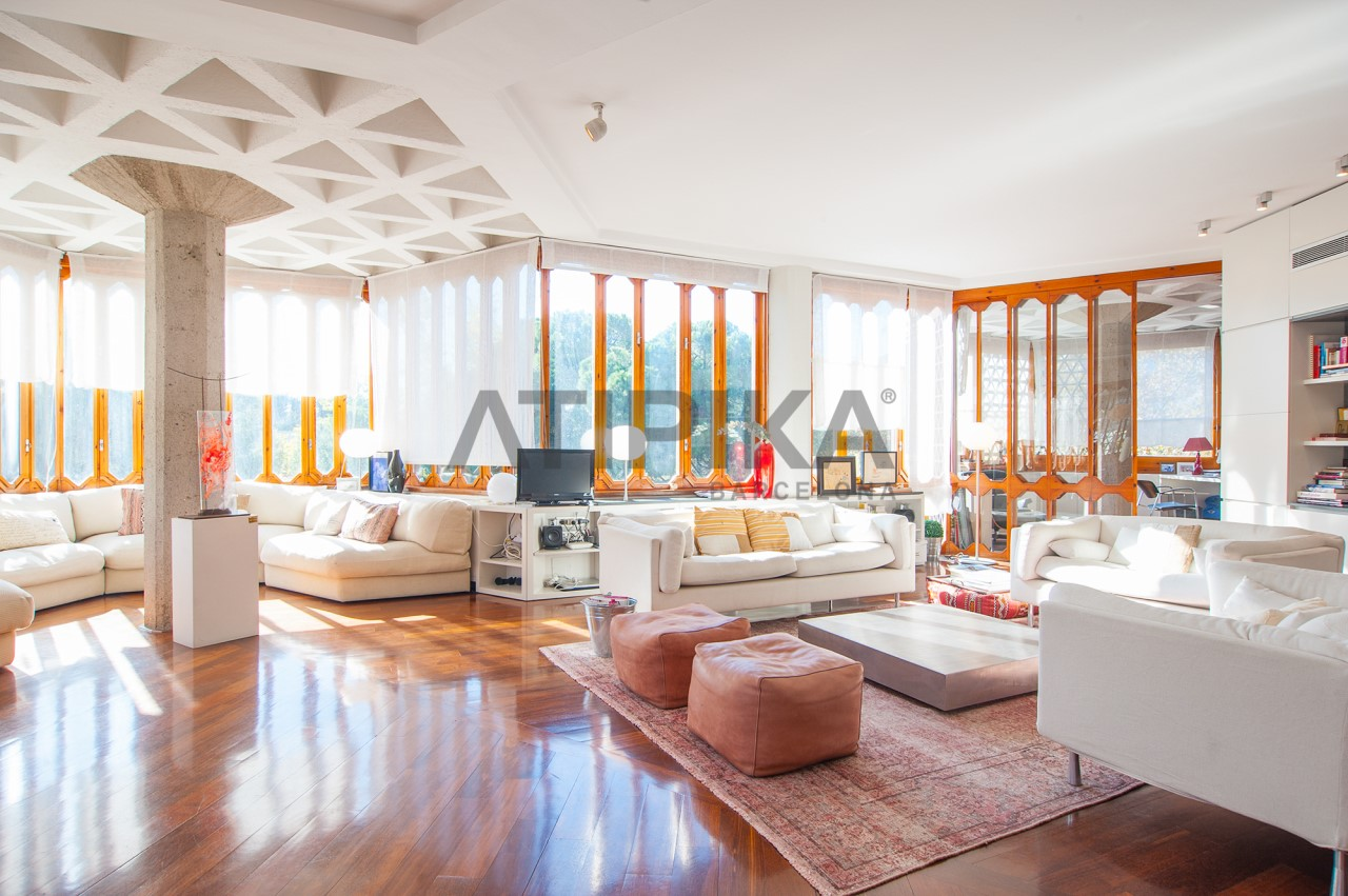 Exceptional high standing apartment with communal garden and swimming pool