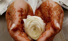 Henna handen in hartvorm © Nationale-Beeldbank