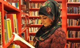 zehra in de bibliotheek van atria