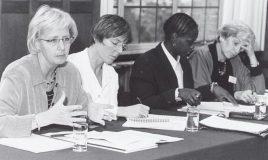 tweede kamerleden op conferentie vrouwen als partners voor vrede en veiligheid in 2001