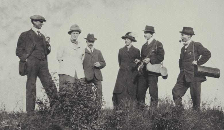 Johannna Westerdijk (tweede van links) in de Verenigde Staten (1914) - Collectie IAV-Atria