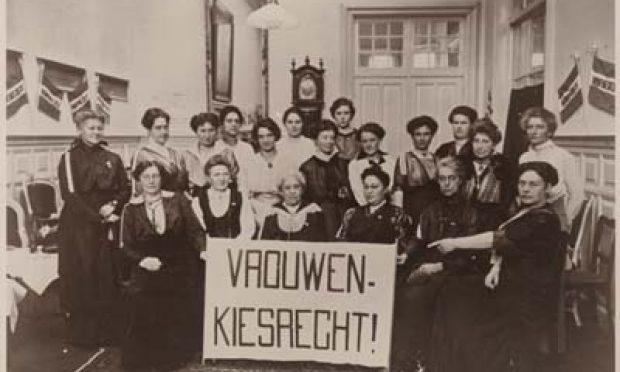 vrouwenkiesrecht sinterklaasbijeenkomst Haagsche Propaganda collectie iav atria f113-93