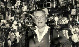 koningin van de zeekdijk: Bet van Beeren - collectie IAV Atria 100027097