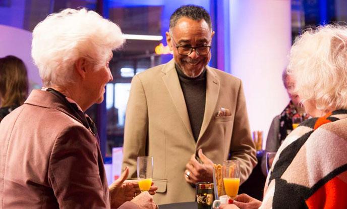 sybilla dekker en glen helberg en anja meulenbelt lanceringsbijeenkomst ambassadeursbijeenkomst atria