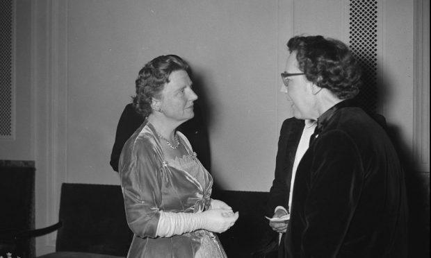 Anna Blaman en koningin Juliana bron: Wikipedia1