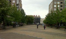 Wilhelmina Blombergplein Amsterdam bron: Wikipedia