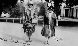 Mia Boissevain en Rosa Manus, met handtekeningen. Collectie Atria