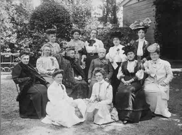 groepsportret met aletta jacobs 1908
