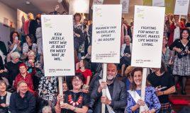 opening van de tentoonstelling de straat met renee romkens wethouder groot wassing en minister van engelshoven
