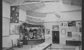 zaal over vrouwenkiesrecht op tentoonstelling de vrouw 1813 1913