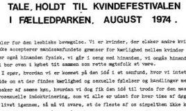 Tale holdt ved Kvindefestivalen i Fælledparken. August 1974