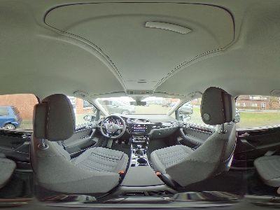 360° Innenansicht Volkswagen Touran      Highline 1.5 TSI / Side Assist Navi 7-Sitze
