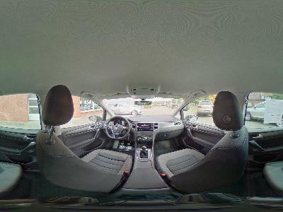 360° Innenansicht Volkswagen Golf Sportsvan      Comfortline 1.5 TSI / ergoActive Navi LED