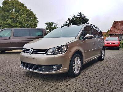 360° Außenansicht Volkswagen Touran      Comfortline 1.6 TDI / Xenon Panoramadach