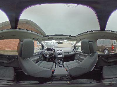 360° Innenansicht Volkswagen Touran      Comfortline 1.6 TDI / Xenon Panoramadach