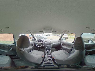 360° Innenansicht Skoda Yeti      1.2 TSI / AHK Sitzheizung PDC hinten