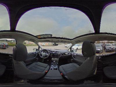 Volkswagen Touran Highline LED/Navi/ACC/Kamera