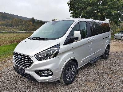 360° Außenansicht Ford Tourneo Custom Bus M1      L2 Titanium X 185 AT 8 Sit. Klima Vor+Hint PDC Temp SHZ LMF Kamera NAVI Xenon Leder AHK 230V