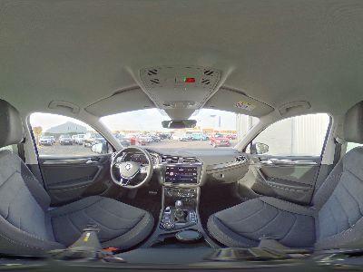 Volkswagen Tiguan 2.0 TSI Highline 4Motion DSG AHK, Navi, Easy-Open, Ausparkassist., 18'' Alu