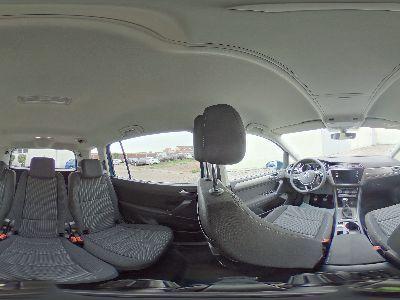 Volkswagen Touran Comfortline 7-Sitze Seitenairbags hinten Windschutzscheibe beheizbar PDC App Connect Winterpaket Familienpaket