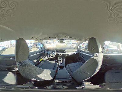 Volkswagen Golf Life Winterpaket Kamera getönte Scheiben