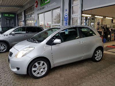 Toyota Yaris Sol 1.3 VVT-i 64 kW-KLIMA- ZV - ALUFELGEN ELEKTR. FENSTERHEBER- AUDIO CD
